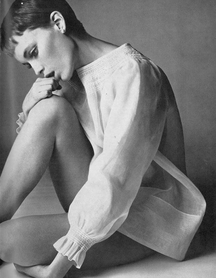 Vogue UK, August 1966 - Mia Farrow photographed by Richard Avedon