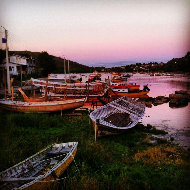 Melinka, Estero Alvarez, botes.