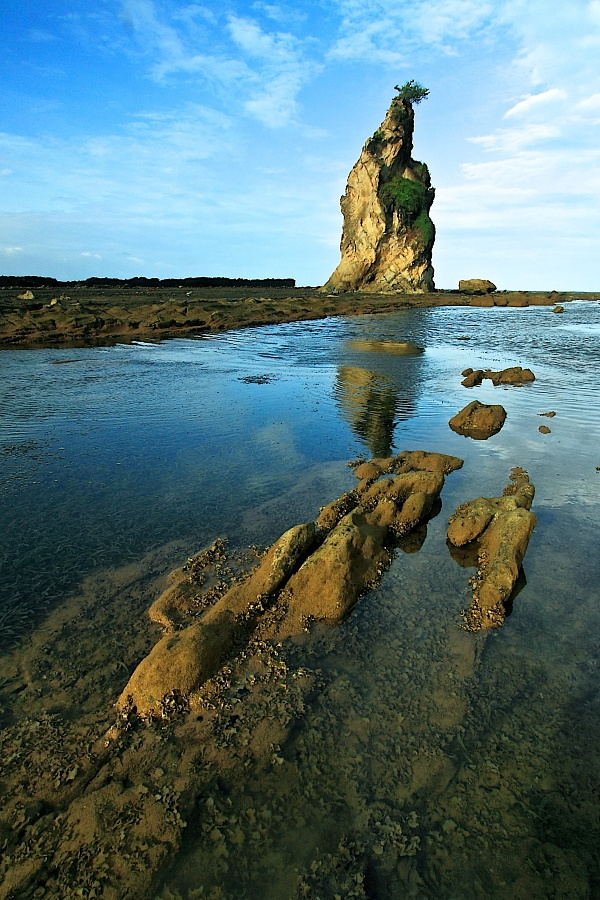 The Pillar of Rock, Tanjung Layar, Sawarna Beach | Banten - Indonesia    (by sambodo)