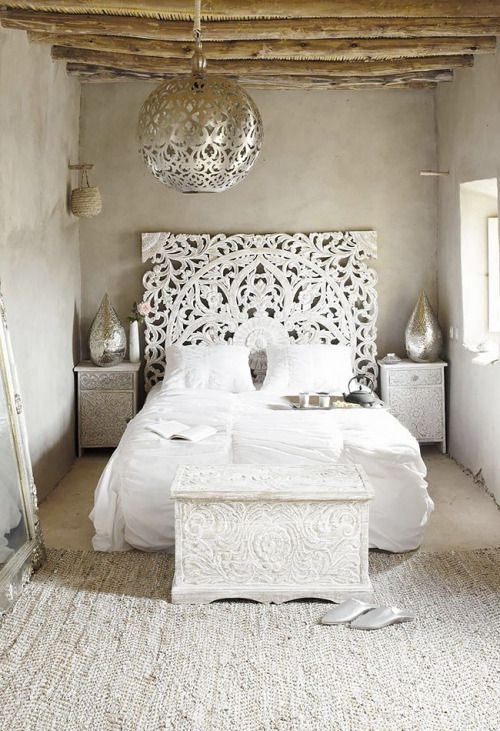 The Stylish Gypsy ~ I would love this. It wouldn't stay white long, but I would love this!