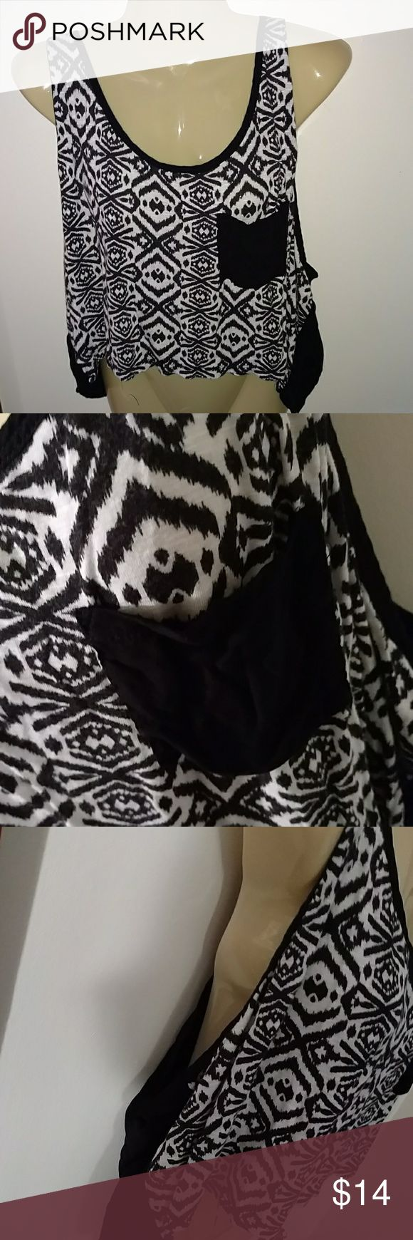 AZTEC STYLE ASYMMETRICAL LOOSE FIT TOP Design as Shown Excellent Condition Has 1 front Pocket Loose fitting ~~ great alone or over a Cami / tank / Bralett or Swim Top Xhilaration Tops