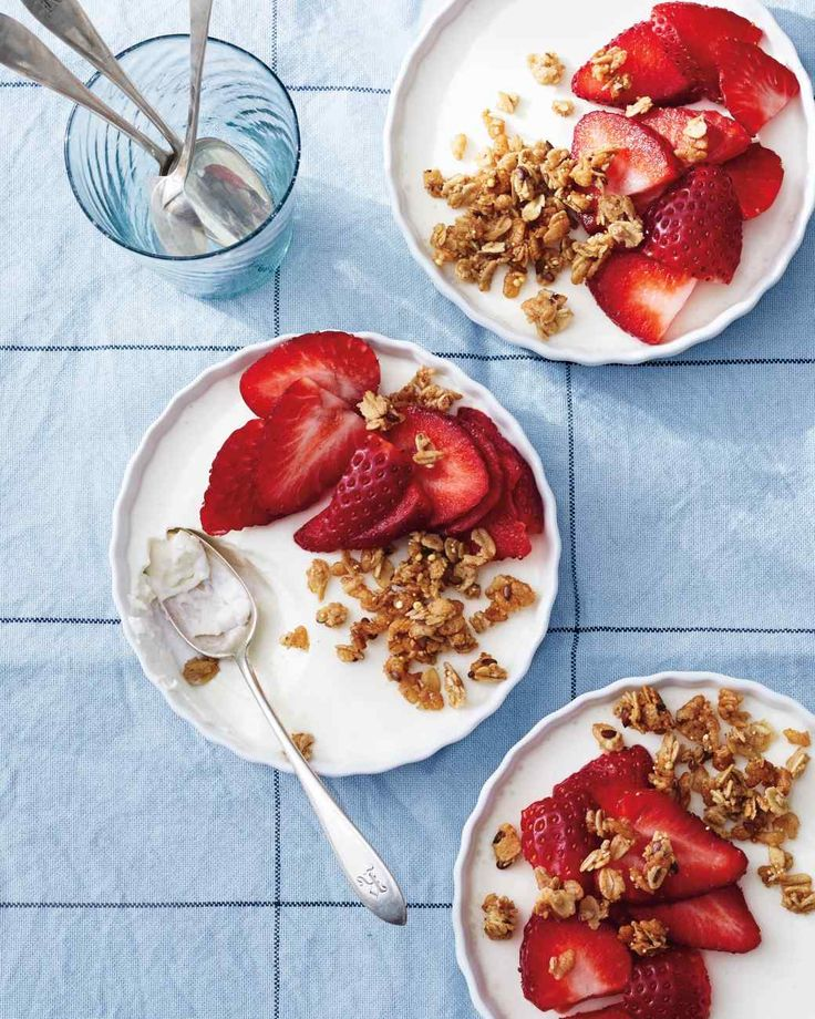 Yogurt Panna Cotta with Strawberries and Granola - swap out sugar with coconut sugar, maple syrup or agave.