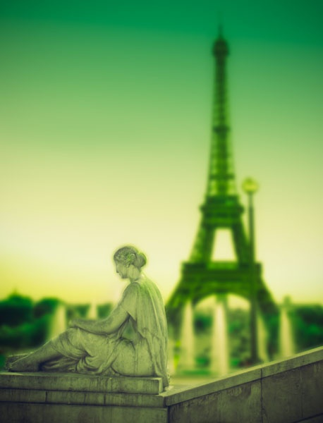 Eiffel w/ green: Monuments, Emeralds, Bus, Eiffel Towers, Bags Pur, Design Bags, France Paris, Louis Vuitton Bags, Towers Obss
