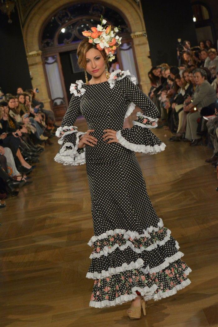We love Flamenco · Entre flores y volantes | Only1Woman
