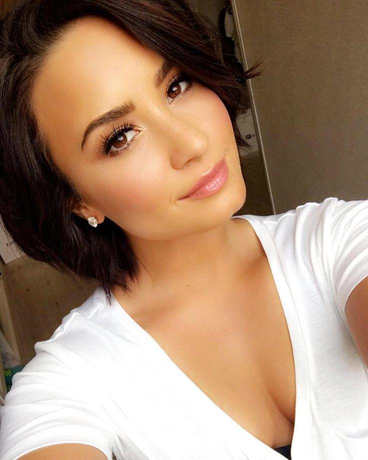 58.3 millones seguidores, 259 seguidos, 1,621 publicaciones - Ve las fotos y los vídeos de Instagram de Demi Lovato (@ddlovato)