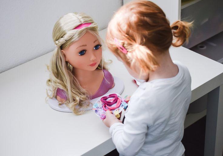 BABY born® Sister Styling Head von Zapf Creation: Schminkkopf im TEST! Frisierkopf für Mädchen mit langen Haaren. Geschenk Idee: Schminkpuppe für Kinder.