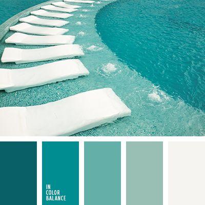 El blanco complementa esta gama monocromática de tonos marinos. Tal combinación de colores es muy acertada para decorar un dormitorio. Los tonos verdosos crean un ambiente fresco y relajante. Utilizando el blanco y el aguamarina fuerte como los tonos básicos, conseguirás una habitación viva e impresionante.