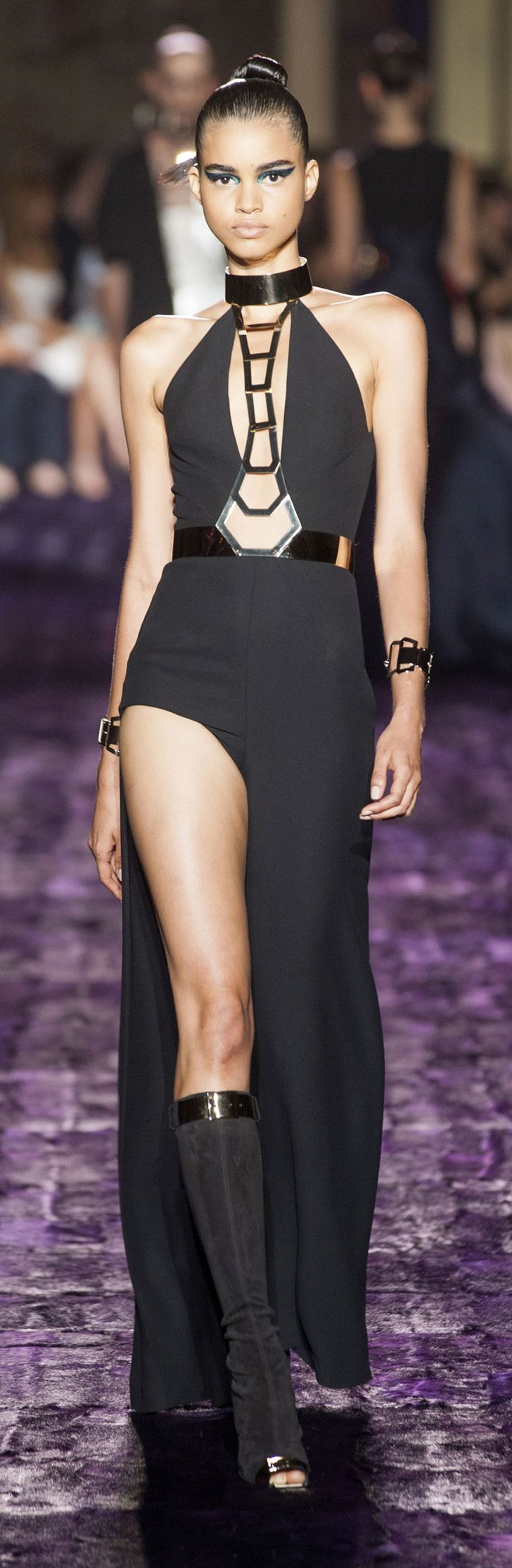 Atelier Versace Haute Couture Fall 2014.  When I get to a size 6, I'll wear it