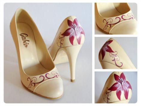 Pantofi pictati manual din piele naturala