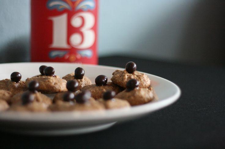Kaffeemakronen - Coffee Macaroons http://umlimaomeiolimao.wordpress.com