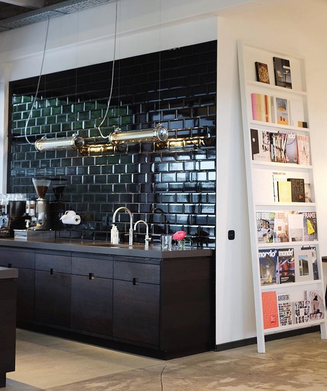 Happy Monday from the showroom. #mollerrothe #showroom #copenhagen #lighting #design #office #kitchen #sammode #moooi