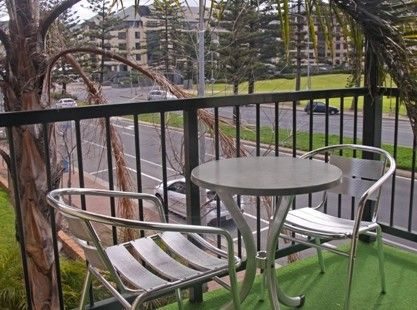 Bayview park view suite - balcony. Just minutes from Jetty Road and the beach! #glenelg #accommodation #suite #family #park #view #balcony #vacation #travel