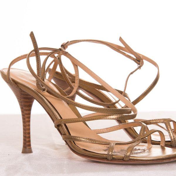 sandalias de piel doradas con tiras cruzadas y amarrada al tobillo Sergio Rossi - Marketplace MitiendaVIP