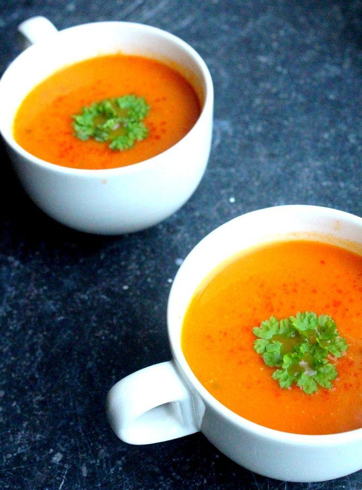 Soep is makkelijk, warm, lekker en je kunt het echt overal van maken. Wortel-tomatensoep bijvoorbeeld, een heerlijke combinatie! Hier vind je het recept.