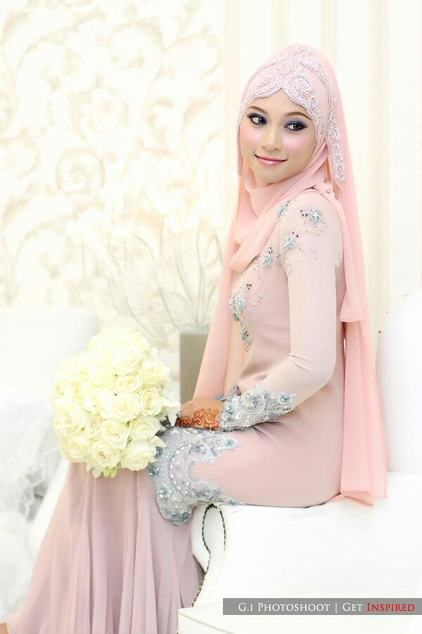 Very sweet pink bride :-)