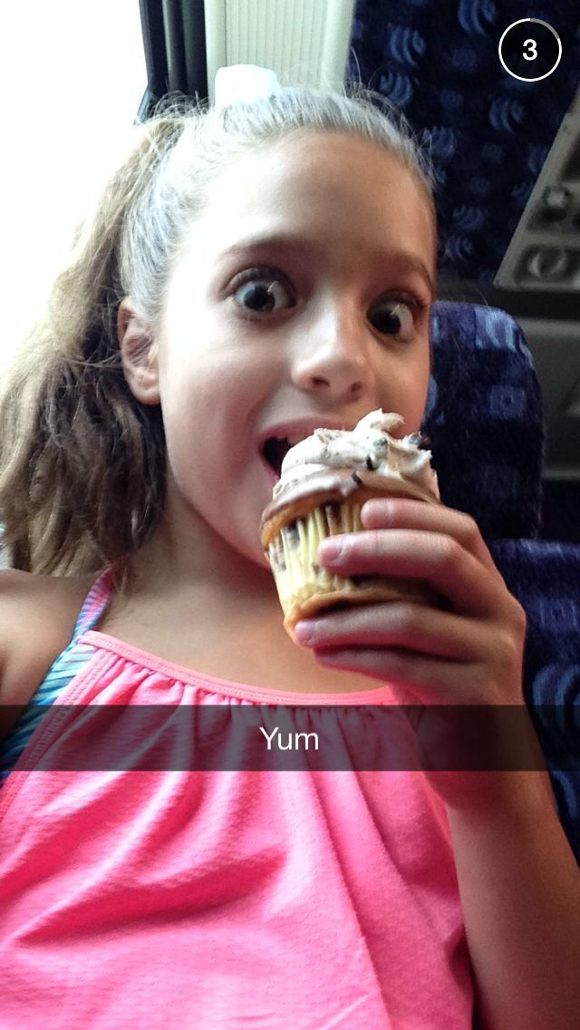 Yummyyy :) does anyone have kenzie's snapchat? If you give me I'll give you Kendall's one or subscribe to you :) I really wanna know <3<3