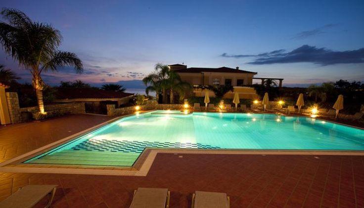 Αγίου Πνεύματος στο 4* Akti Taygetos Conference Resort στην Καλαμάτα μόνο με 256€!