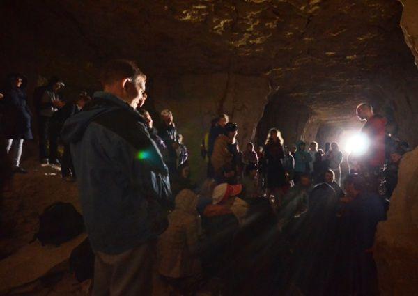 Mantra-meditation (kirtan) with balakhilya das inside a cave