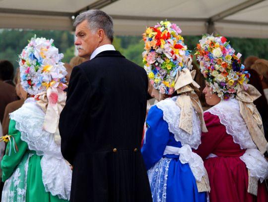 Costumes of Bambrzy from Poznań, central Poland.... - Polish Folk Costumes / Polskie stroje ludowe