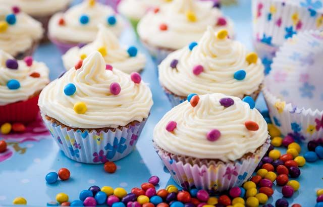 Mini spiced cupcakes with cream cheese frosting. #Recipe #Cupcakes #Yum