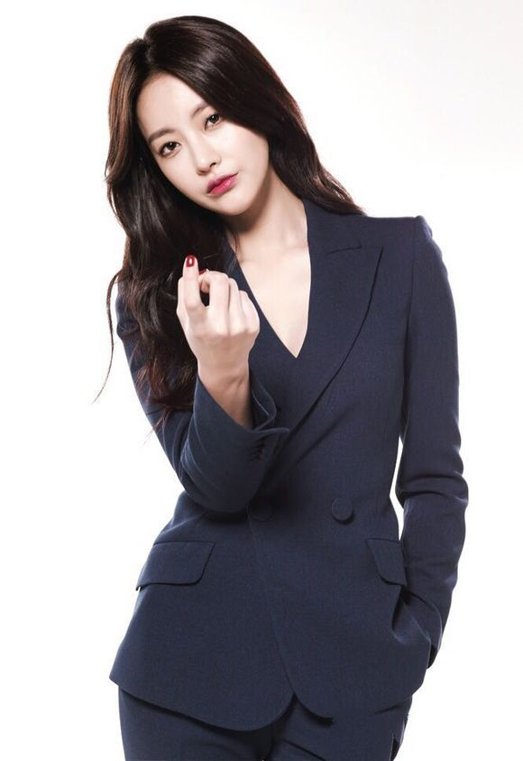 4. Oh Yeon Seo, who has Kim Soo Ro's soul in her body.