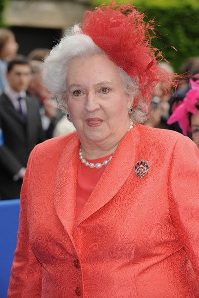 Her Royal Highness the Infanta Doña Pilar, Duchess of Badajoz, Dowager Viscountess of la Torre.  Doña Pilar de Borbón y Borbón was the first daughter of the Count of Barcelona and María de las Mercedes de Borbón y Orléans. Her Royal Highness was born in Cannes in 1936 and is the eldest sister of the King. The Infanta married  Don Luis Gómez-Acebo y Duque de Estrada, Viscount of la Torre in 1967 in Lisbon.