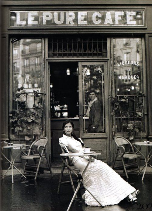 Le pufe cafe | Holding back the years: Classics B&W | Pinterest | Cafes, Things happen and Paris cafe