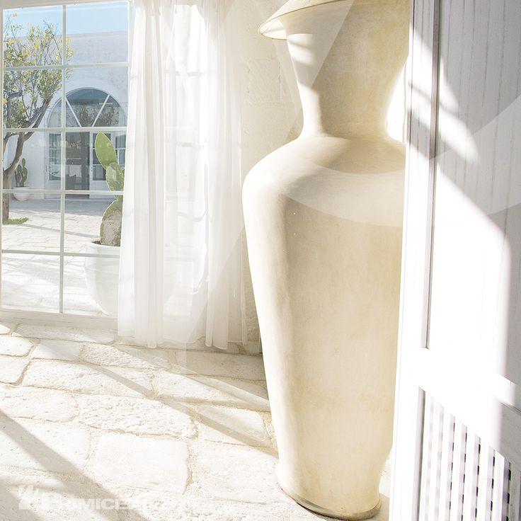 Vecchio Basolato - Ambientazione pavimentata con vecchio basolato bianco