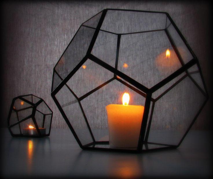 Luz geométrica / linterna de huracán / vidrio sostenedor de vela / dodecaedro terrario / minimalista decoración de lonesomehobo en Etsy https://www.etsy.com/es/listing/217072808/luz-geometrica-linterna-de-huracan