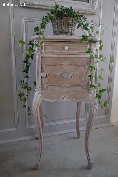 ancien chevet louis xv brocante de charme atelier brocante de charme pinterest. Black Bedroom Furniture Sets. Home Design Ideas