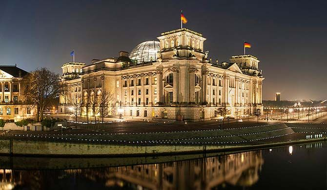 The Reichstag building (German: Reichstagsgebäude; officially: Deutscher Bundestag) is a historical edifice in Berlin, Germany, constructed to house the Imperi... Get more information about the Reichstag on Hostelman.com #attraction #Germany #landmark #travel #destinations #tips #packing #ideas #budget #trips