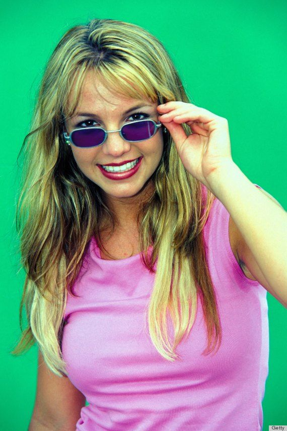 b03cf4150e0 90 s Tiny Sunglasses Are Taking Over in 2018 Vintage Buy Online Shop Style  Trend Kate Moss Gigi Hadid Bella Hadid Rihanna Selena Gomez Britney Spears  Kate ...