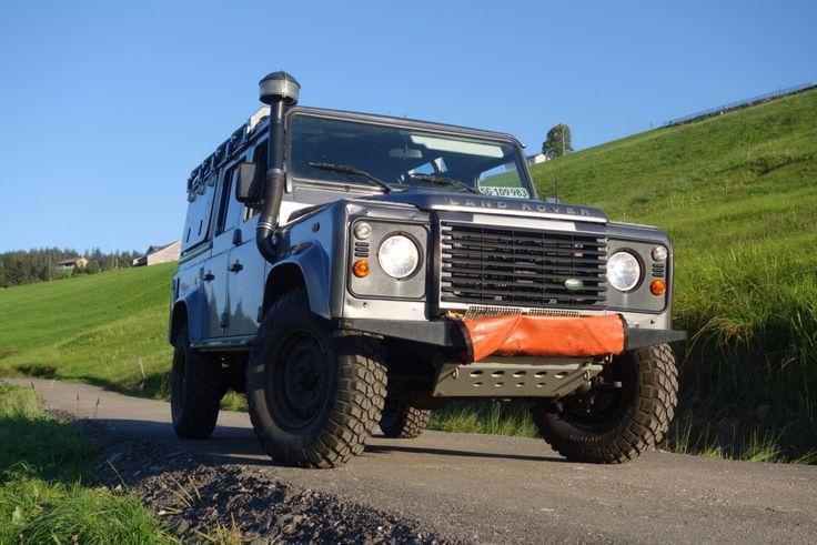 Sold Defender 110 2.4 , 2009 model 90000k