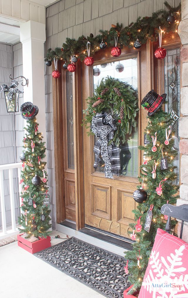 Vintage Schoolhouse Inspired Christmas Decorations