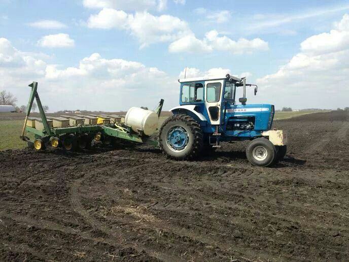 1972 Ford 9000 Tractor : Ford tractor with johndeere row planter