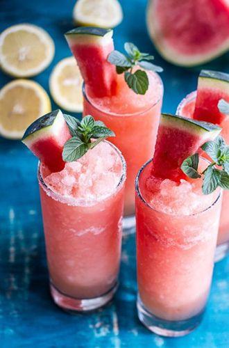 Cheers! Deze watermelon Mojito slushy is om dorstig van te worden