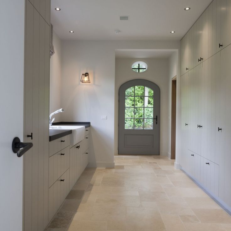 Garage entry - spare but fabulous