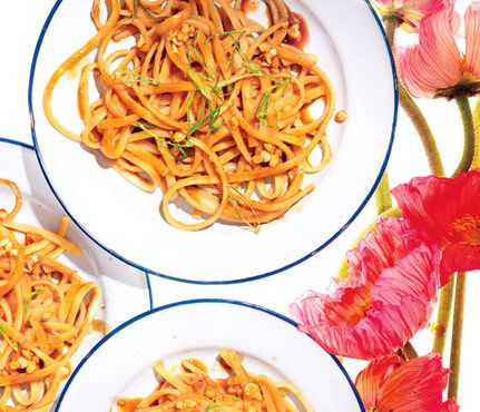 Summer Picnic Recipes Under 300 Calories: Sweet and Spicy Peanut Noodles. You can make this dish a day ahead and stash it in the fridge until go time. It tastes better at room temp, so let it sit out for a half hour before serving.