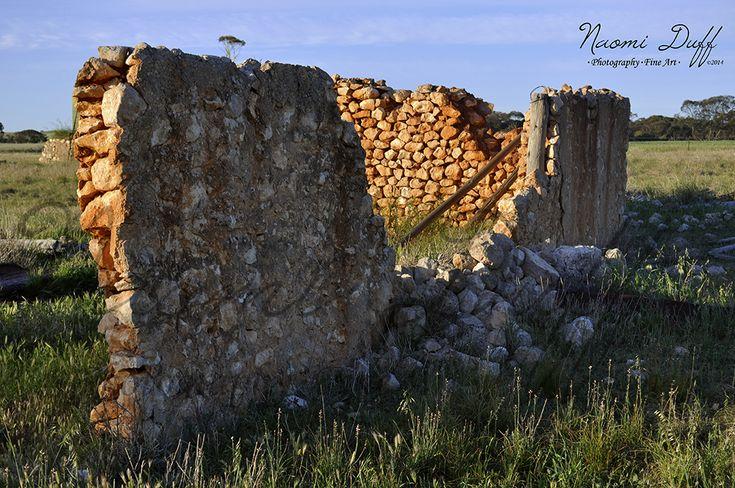 Landscape Photography: The Wall In colour; Murray Bridge SA
