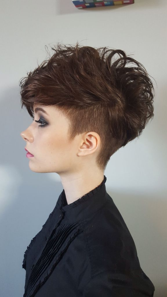 Womans short hair, undercut with volume