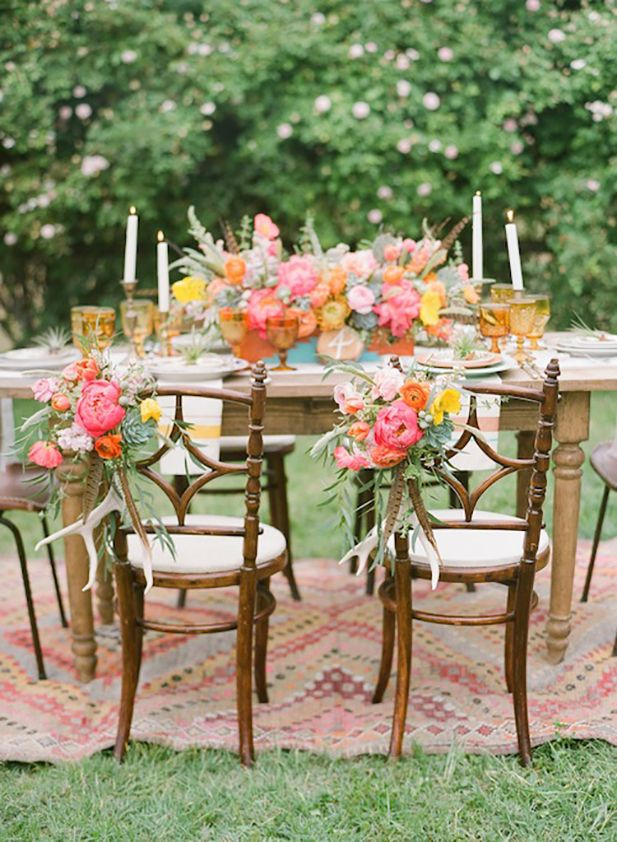 12 Amazing Ways to Style Your Wedding with Rugs! via @BridalLand
