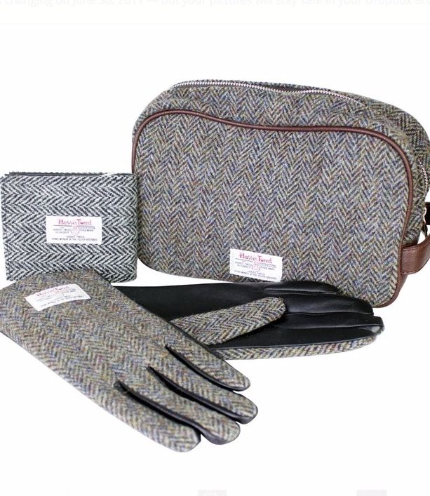 If you're spoilt for choice why not get the whole set and treat him to our Harris Tweed giftbox?
