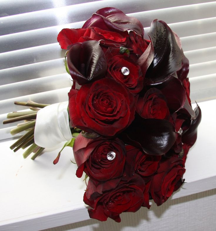 Black White And Red Wedding Bouquets Magician