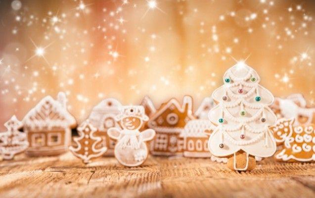 Τα χριστουγεννιάτικα γλυκά της Ευρώπης - Μελομακάρονα, κουραμπιέδες και ασφαλώς η βασιλόπιτα, σπάνια λείπουν από τα ελληνικά νοικοκυριά τις ημέρες των Χριστουγέννων. Ποια είναι όμως τα γλυκά που έχουν την ίδια περίοπτη θέση, σε άλλες χώρες της Ευρώπης;