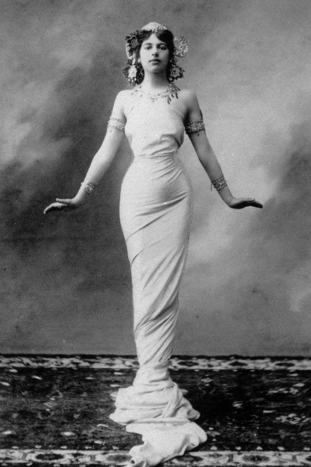 Мата Хари: история танцовщицы, куртизанки и шпионки (1905-1917)