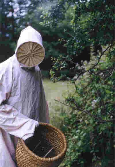 Copy of a 17th century beekeeper outfit
