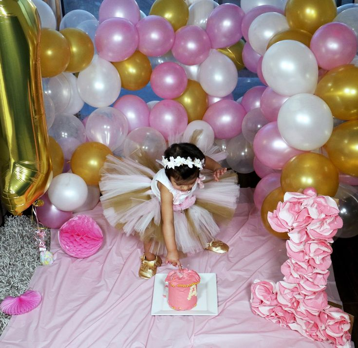 Pink and Gold first birthday and cake smash
