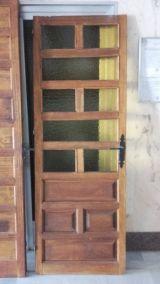 MIL ANUNCIOS.COM - Puerta castellana. Materiales de construcción puerta castellana. Venta de materiales de construccion de segunda mano puerta castellana. materiales de construccion de ocasión a los mejores precios.