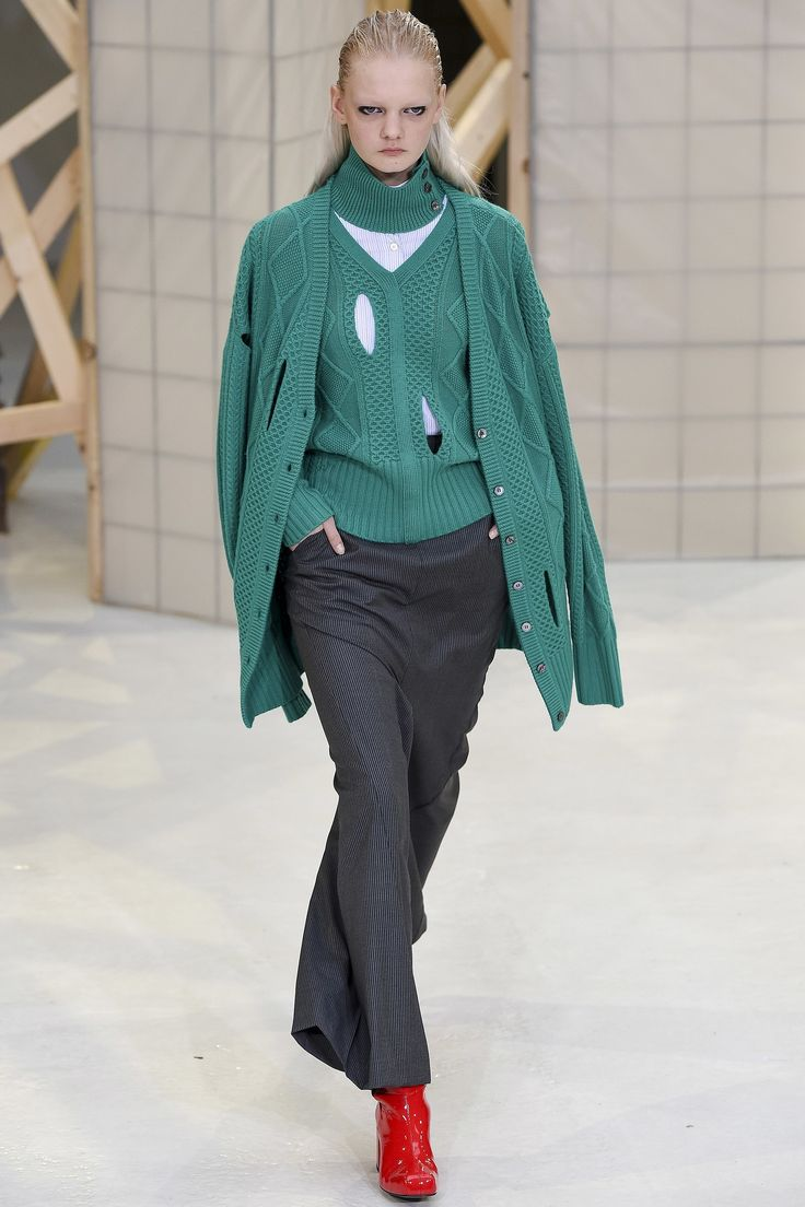 See the complete Aalto Fall 2017 Ready-to-Wear collection.