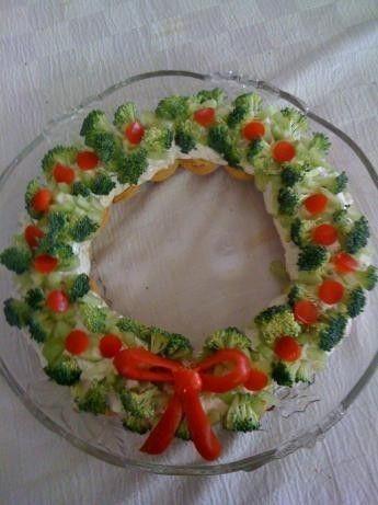 Corona con broccoli e pomodori